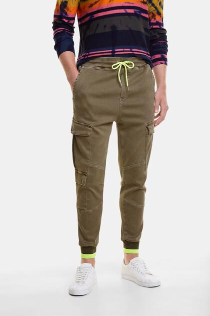 Cargo-Pants mit neonfarbener Kordel
