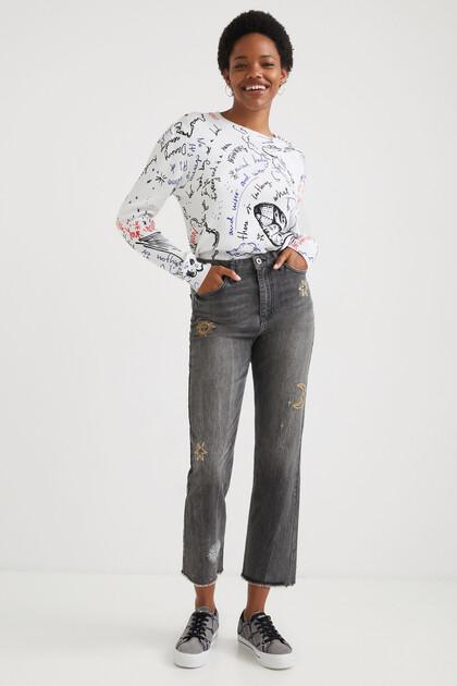Spodnie dżinsowe o krótszym kroju z prostymi nogawkami i galaktycznym wzorem