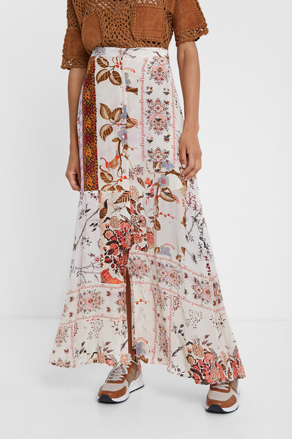 Long skirt with boho floral print