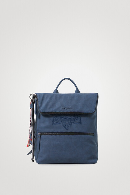 Square backpack extensible flap