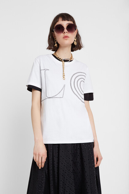 White T-shirt with message LOVE