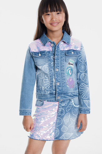 Jean jacket with conches and sequins