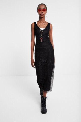 Lange jurk met haakwerk