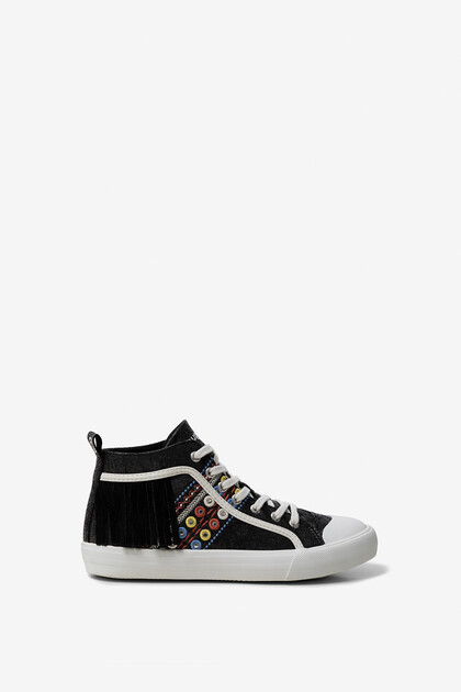 High-top sneaker fringe