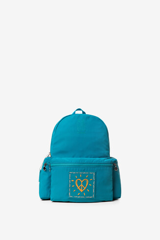 Rucksack mit Herz und Schlüsselanhänger