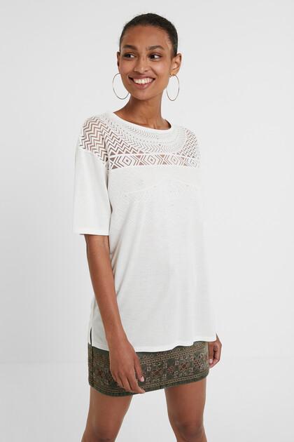 Geometrisches Mesh-T-Shirt