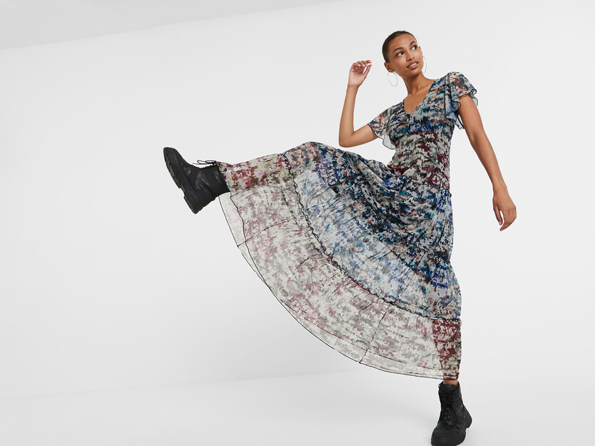 Langes Camouflage-Kleid