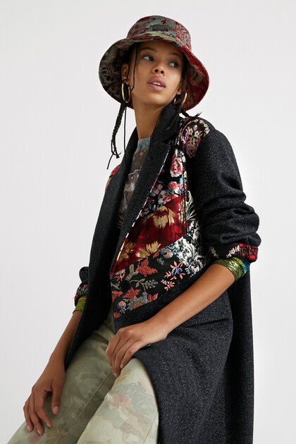 Loose cloth floral patch coat