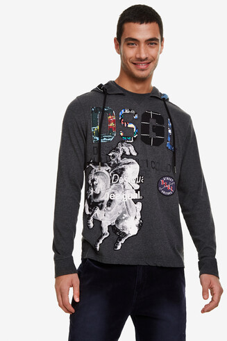 T-shirt met capuchon
