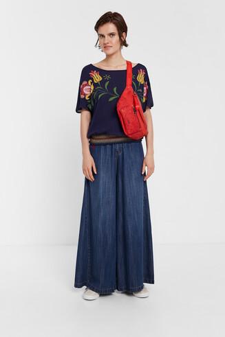 Bluzka z nadrukiem w kwiaty w stylu tropikalnym