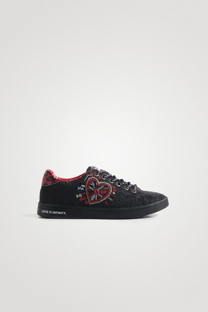 Classic embroidered sneakers