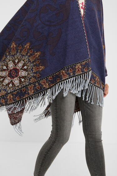 Reversible poncho tapestry | Desigual