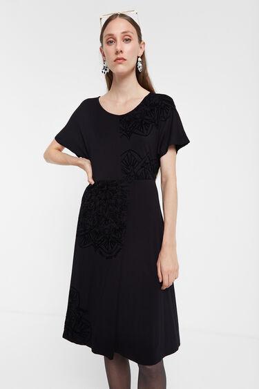 Asymmetric dress mandalas | Desigual
