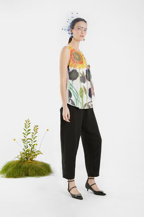 Sleeveless T-shirt floral