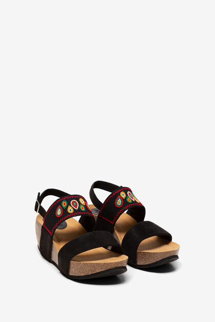 Ethnic sandals with wedge