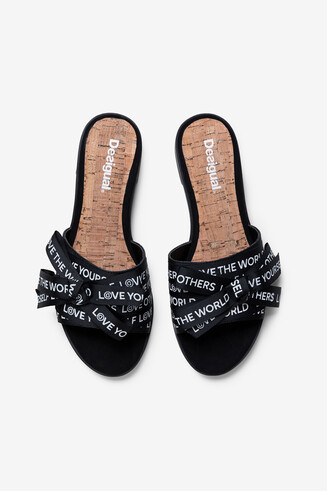 Sandals with ribbons of messages