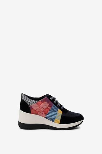 Zapatillas de cuña y patch
