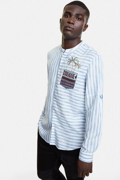Milieuvriendelijk gestreept shirt met schild en palmboom