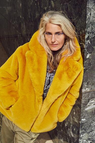Oversize plush jacket | Desigual