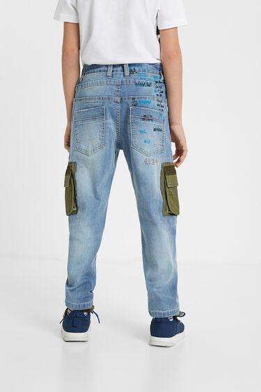 Hybrydowe jeansy z naszywkami w stylu cargo | Desigual