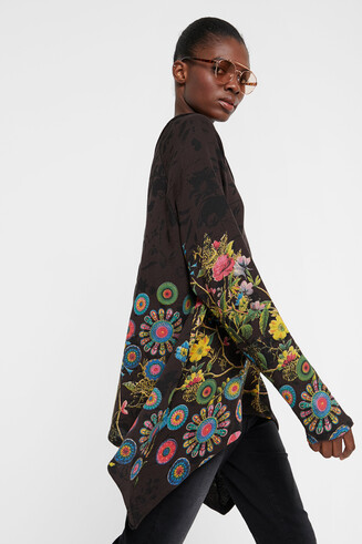 Floral sweatshirt with embroideries