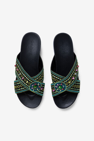 Platform sandals with ethnic beads | Desigual