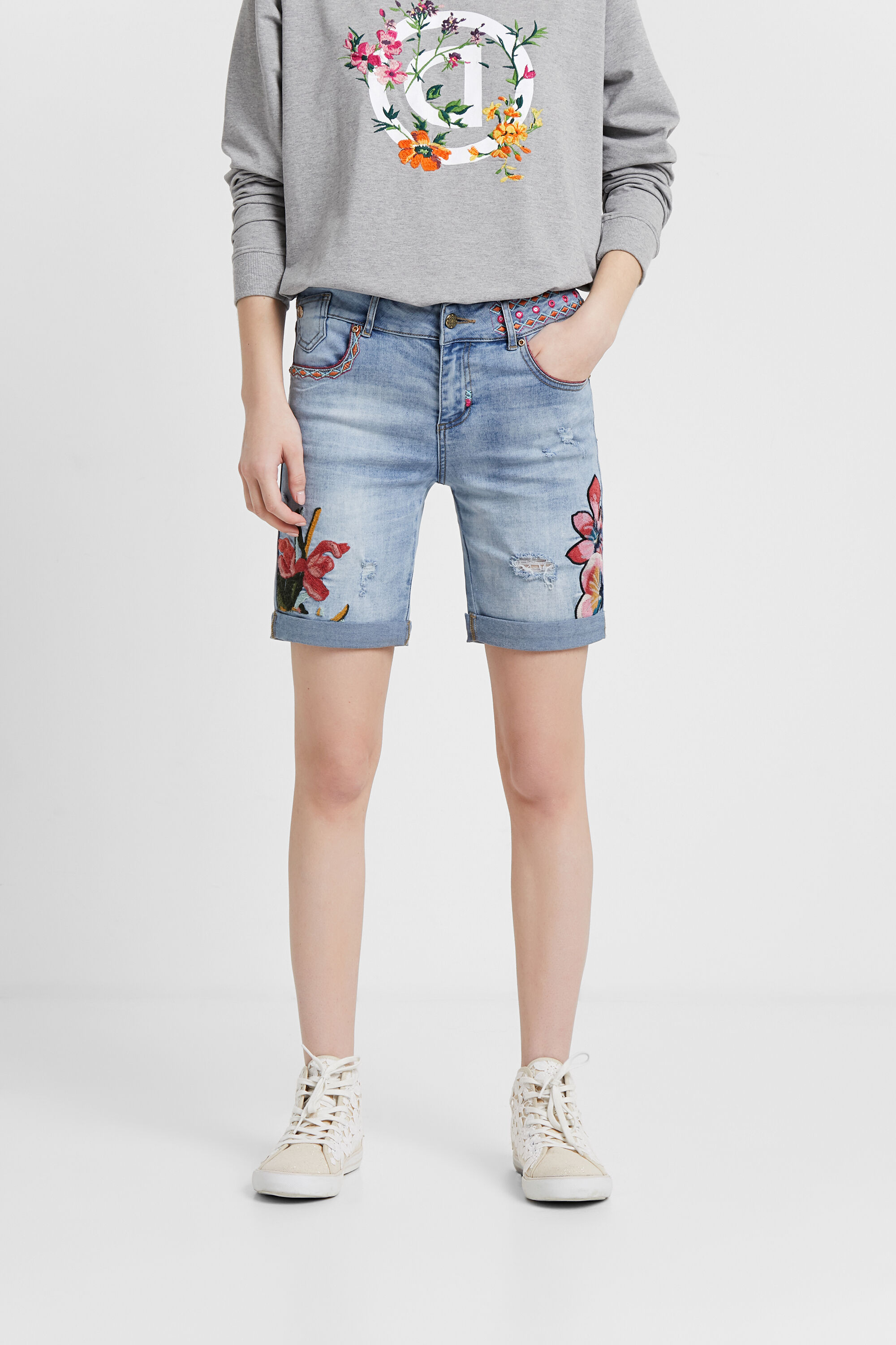Floral denim shorts | Desigual.com