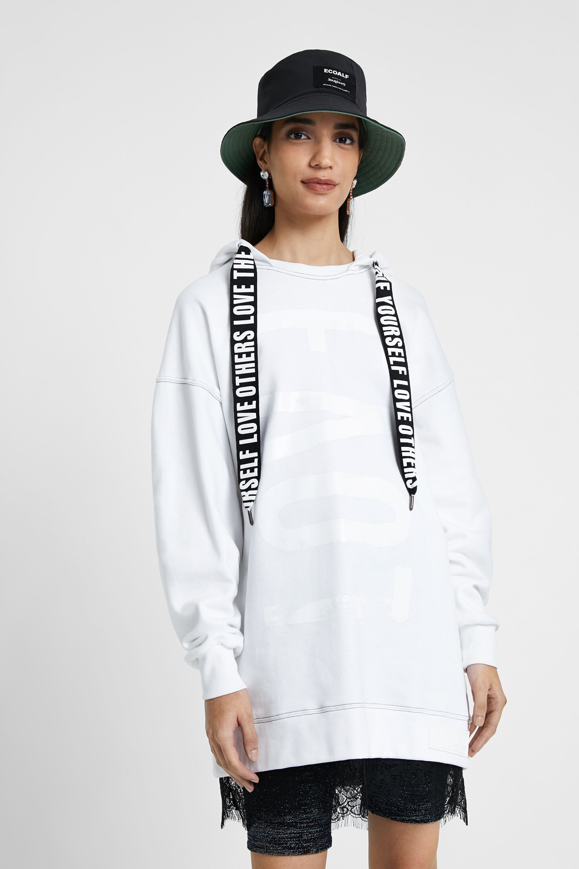 Suéter comprida com capuz e renda