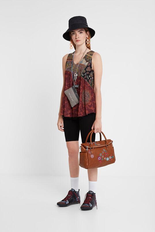 Bestickte kamelfarbene Tasche im Kosmetikoffer-Design | Desigual