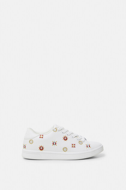 Embroidered mandalas sneakers
