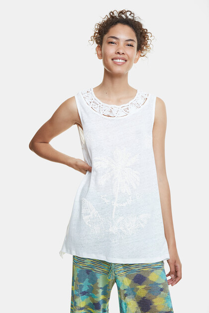 Floral embroidery and macramé T-shirt
