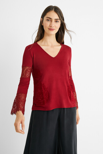 Flared sleeves appliques T-shirt
