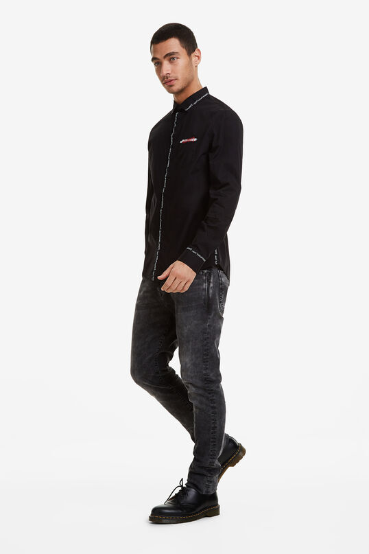 Black shirt lettering seams | Desigual