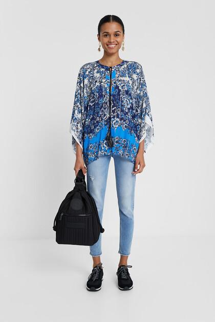 Blusa tipo kimono con stampa orientale