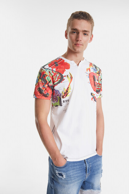 Arty T-Shirt mit hawaiianischen Motiven