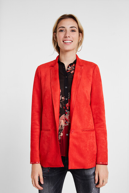 Slim blazer seams