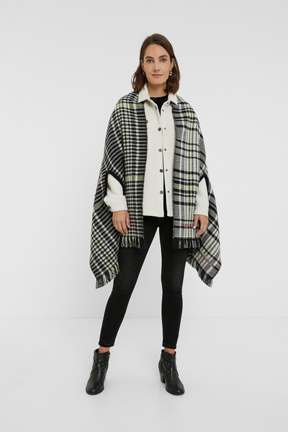 Reversible checks square poncho