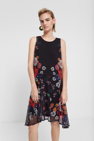 Tiulowa sukienka w kwiaty