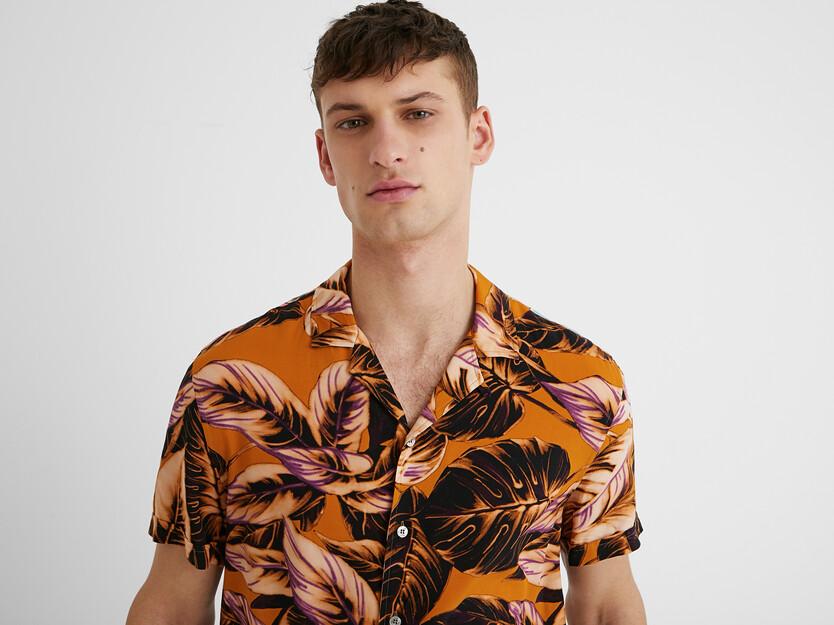 Chemise manches courtes tropicale