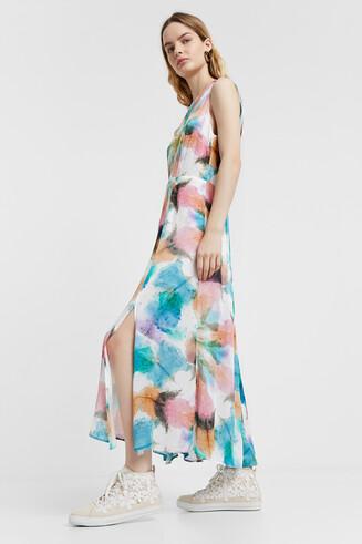 Long dress, faded