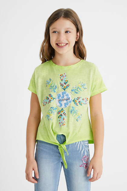 Cotton T-shirt knot