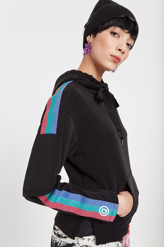 Sweatshirt with bands of Lurex