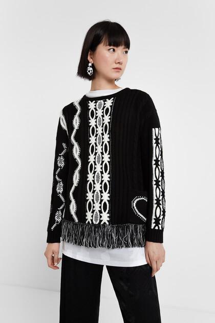 Black & White jumper fringe