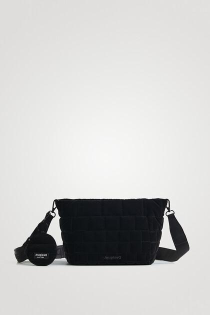 Pikowana torebka listonoszka