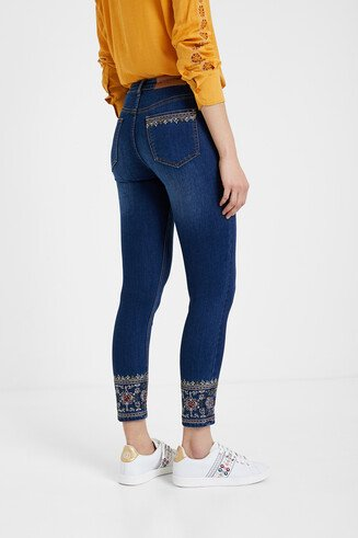 Skinny ethnic embroidery jeans
