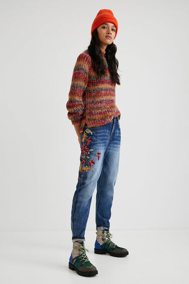 Boyfriend fit jeans embroidered ankle   Desigual