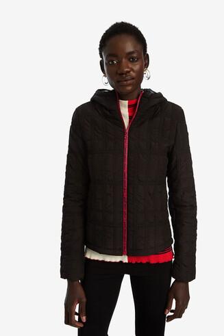 Jaqueta curta padded amb caputxa