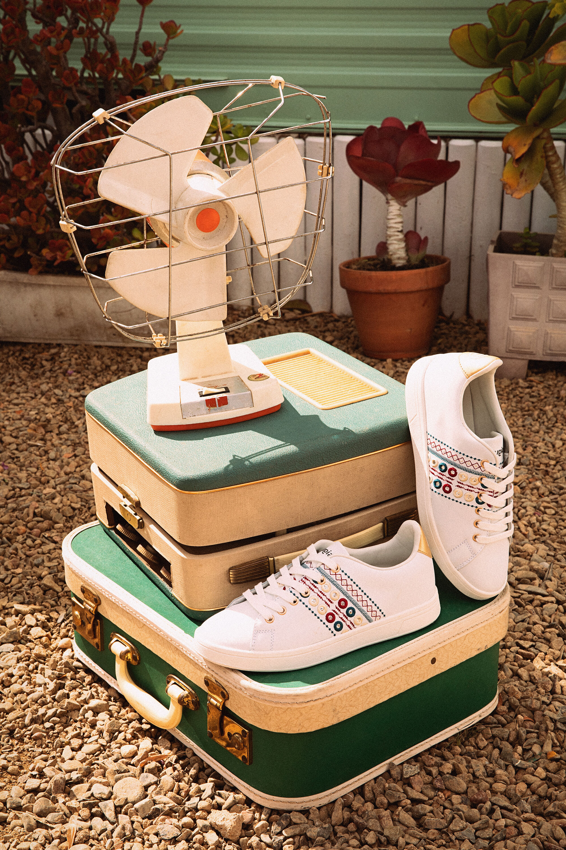 Sneaker ricamo Exotic | Desigual