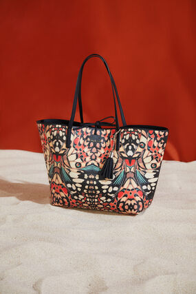 Reversible butterfly bag