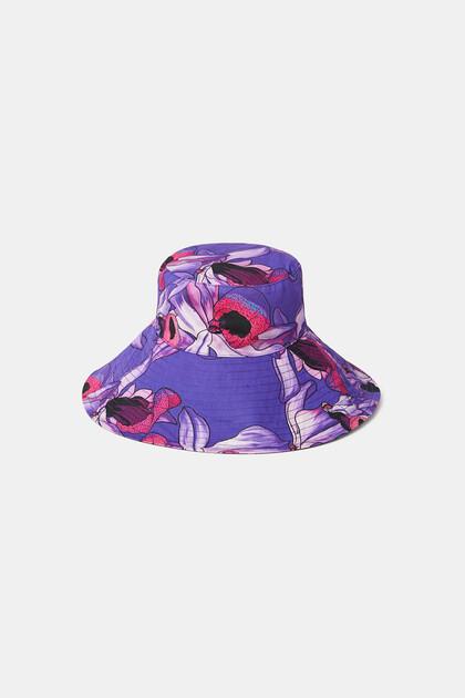 Rain hat print